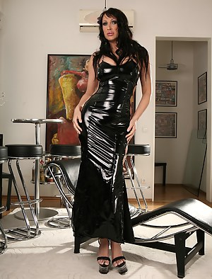 Free MILF Latex Porn Pictures