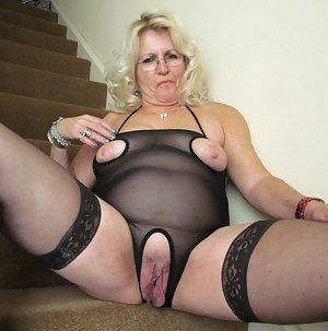 Pictures old pussy Hot Mature